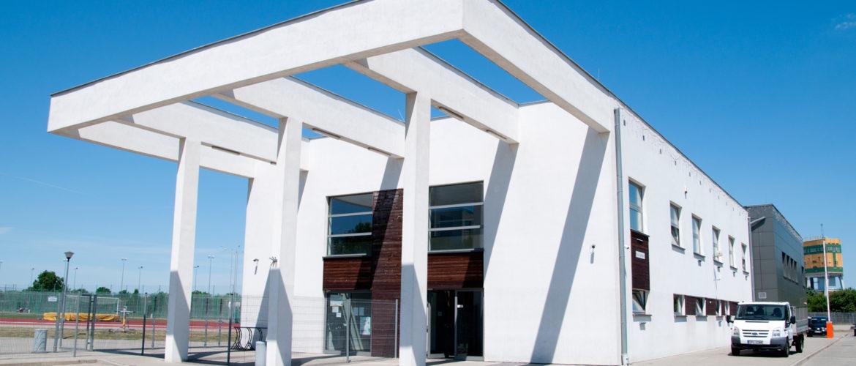 Na zdjęciu widnieje budynek siedziby przedsiębiorstwa.